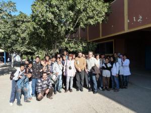 09 ALEGRIA DE LOS NI OS EN EL COLEGIO A LA LLEGADA DEL MATERIAL 20110515080626
